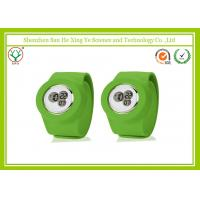 Attractive Silicone Snap Strap Watches Food - Grade / Green Party Watches Manufactures