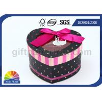 Promotional Customized Christmas Gift Packaging Boxes / Heart Shape Paper Box with Window Manufactures