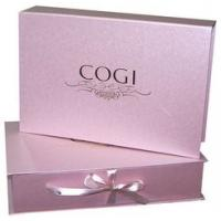 Modern, wholesale and popular cosmetic gift box for delivery