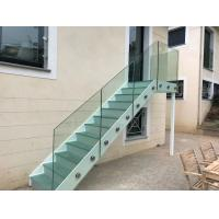 Outdoor Closed Riser Steel Stringer Straight Run Stairs With Glass Baluster Manufactures