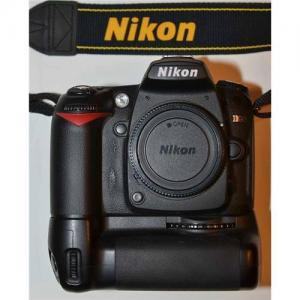 Nikon D90 with MB-D80 and 70-300mm Quantaray Lens-nikon d90 Manufactures