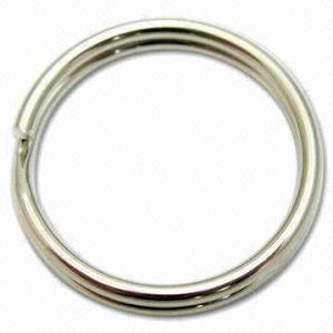 Round split key ring, made of iron Manufactures