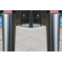 Easy Install Steel Parking Bollards , Driveway Security Posts Withstand External Force Manufactures