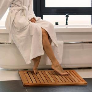Bamboo Bathroom Supplies Bamboo Shower Floor Mat Non Slip 23.7 X 16 X 1 Inches Manufactures
