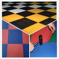 China 3W Oil Resistance Plastic PVC Click Interlocking Flooring Tiles on sale