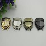 Custom various color zinc alloy handbag metal push locks wholesale Manufactures