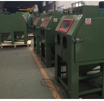 Fully automatic pressure sandblaster cabinet / Automatic screwdriver sand blasting machine Manufactures