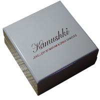 Offwhite Varnish Paint Keepsake Gift Boxes Shining Red For Earing Display Manufactures