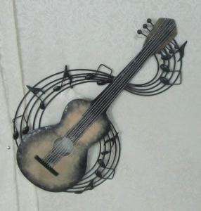 Metal Guitar Wall Hanging Decoration (SFM0614) Manufactures