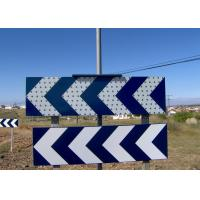 CE Solar Traffic Signals Curve LED Warning Sign With Over Charge Protection Manufactures