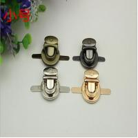 Gold lock metal bag buckle button zinc alloy push lock for bags Manufactures