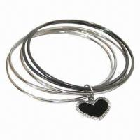 Trendy Zinc-alloy Bangle with Heart Pendant, 12.6g, Nickel- and Lead-free Manufactures