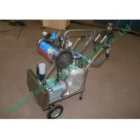 Household Mobile Milking Machine / hand operated milking machine Manufactures