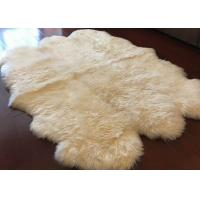 Ivory White Fur Living Room Rug 6 Pelt , 5.5 X 6 Ft Bedroom Sheepskin Rugs  Manufactures