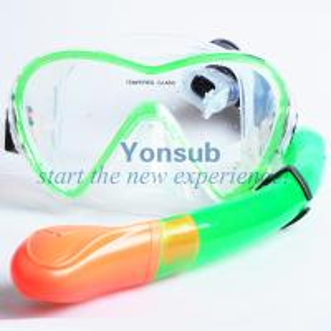 Custom waterproof  diving mask and snorkel set Manufactures