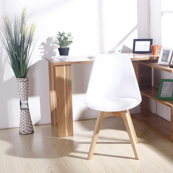 tulip chair1.jpeg
