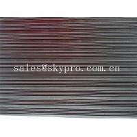 China Smooth / embossed Surface heavy duty Rubber Sheet Roll , 2.5mm-20mm Thickness on sale