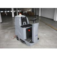 Hotel / Office Building D7 Driving Type Ride On Floor Scrubber Dryer With Warning Light Manufactures