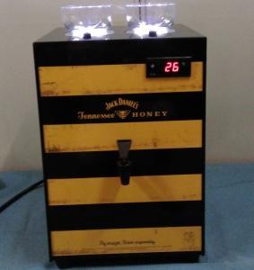 China High Capacity Ice Cold Shot Dispenser , 2 Bottles Refrigerated Liquor Dispenser on sale