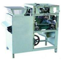 Electricity Saving 220V 0.75KW Wet Peanut Peeler Machinery With High Production Output Manufactures