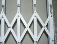 Aluminium Metal Grille Sliding Door , Expandable Burglar Bars Easy Maintain Manufactures