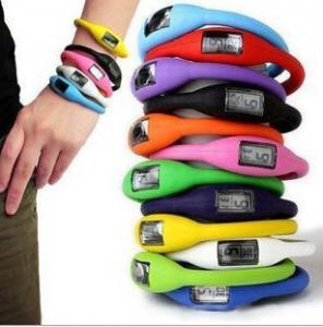 China Cheap Kids Children Digital Watch Sport Silicone Rubber Ion Bracelet Watch 10g on sale
