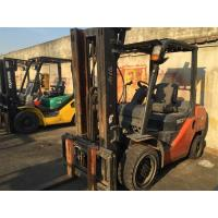 Red Color 3 Ton Used Container Toyota Forklift 7FD30 With Middle Cylinder and Side Shifter Manufactures