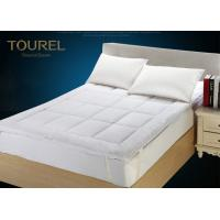 China Waterproof Fitted Quilted Hotel Mattress Protector 100% CottonPad / Topper on sale