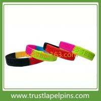Customized 1/2 inches debossed silicone bracelet, scented silicone wristband Manufactures