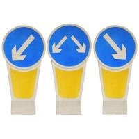 Illuminated Traffic Bollards Solar Powered LED Warning Signs Safety Dividers Manufactures
