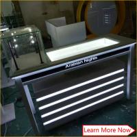 Factory direct sell glass jewelry/tower showcase kiosk with track lighting Manufactures