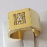 Gold Plating Engagement Stainless Steel Rings with Cubic Zirconia Manufactures