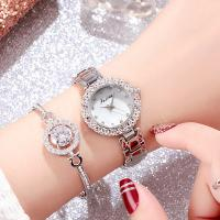 wholesale 2019  lady new   fashion  quarts watch   with the bracelets Manufactures