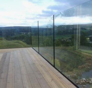 Quality Exterior Best price aluminum U shape base frameless glass channel railing for sale