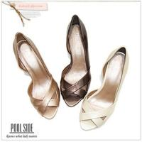 POOLSIDE sexy Miu Miu line ~ pointed v-type fashion patent leather high heels Manufactures