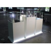 Modern Wooden Glass Jewelry Show Display / Pedestal Display Case Manufactures