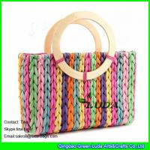 China LUDA Rainbow Stripes Corn Husk Woven Bag Summer Beach Straw Bag on sale