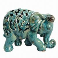 Ceramic Elephant with Crackle Blue Finish for Home Decorations Manufactures