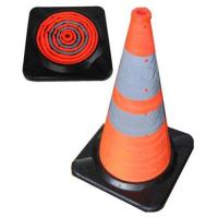 China Collapsible traffic cone(rubber base) on sale