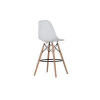 China Non Toxic 0.14CBM Modern Plastic Chairs with Wooden Legs on sale