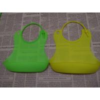Customized LOGO Printed Buy Silicone Baby Bibs Of Green for sale
