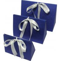 China Simple folding apparel  Customized Gift Boxes with show window and silk ribbon on sale