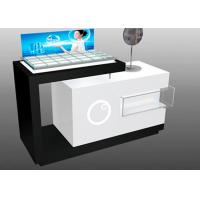 Contemporary Style Makeup Counter Display / Cosmetic Display Showcase With Locks Manufactures