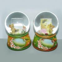Snow Globes, Available in Various Diameters, Colors and Designs Manufactures