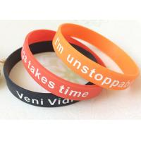 Adult Logo Depressed And Dyed Custmozied Promotional Silicone Rubber Wristbands Manufactures