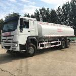 White Fuel Tank Tanker , Sinotruk Howo 20000 Liters 6000 Gallon Diesel Oil Transporter Manufactures