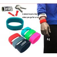 2015 new Pocket Wrist band silicone bracelet with pocket for Sport Manufactures