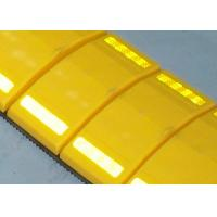 UV Proof Removable Speed Humps With High Intensity Reflector Over 1000 Meters Visual Manufactures
