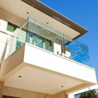China 316 balcony stainless steel railing design with tempered glass on sale