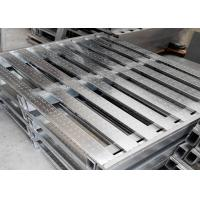 China Galvanized Metal Stackable Steel Pallets 1000 - 1500 Loading Capacity on sale